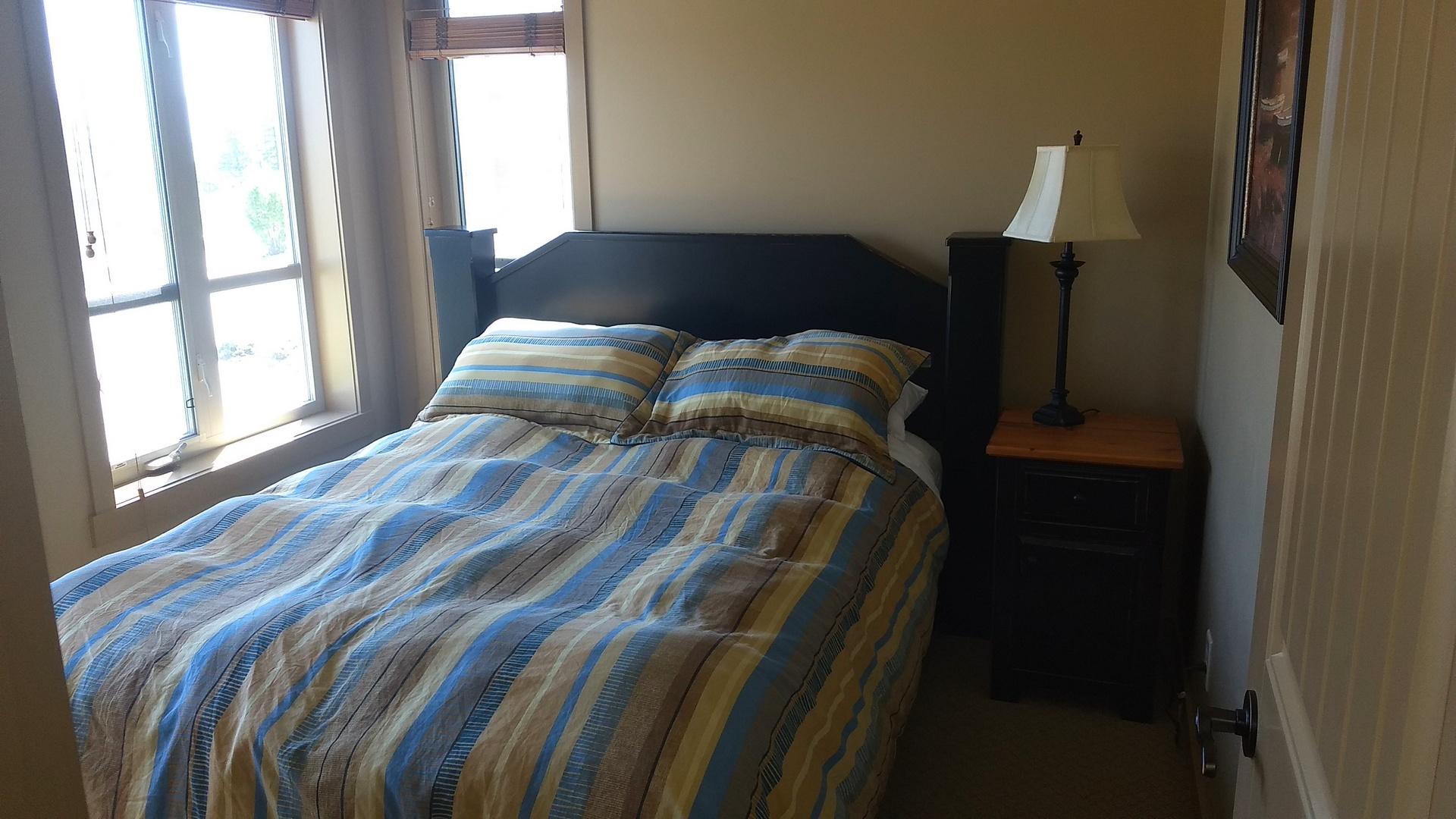 392 Main floor bed view 2