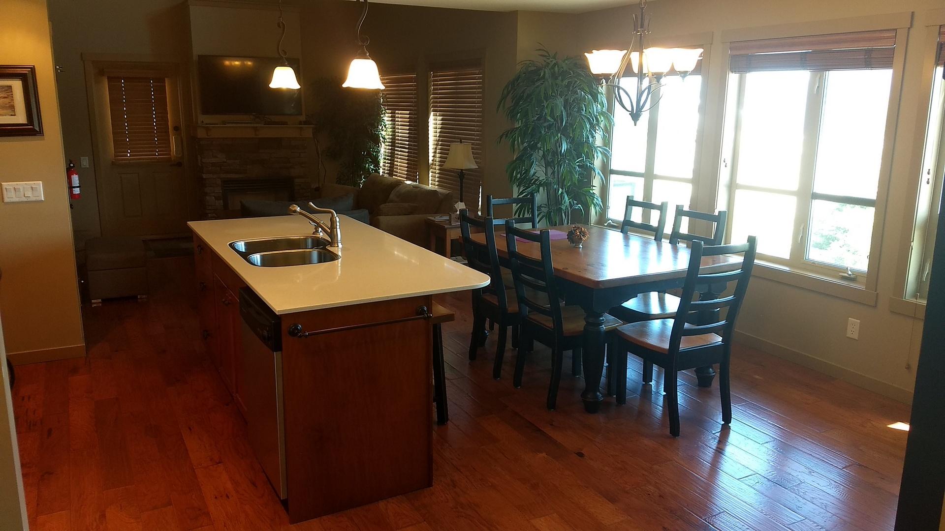 392 kitchen dining