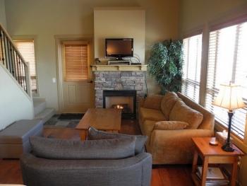 392 lounge 1